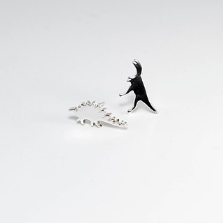 zo.craft small dinosaur earrings / 925 sterling silver