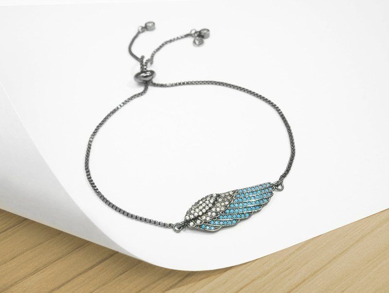 Edith & Jaz • Angel Wing Bling Bling Bracelet - Black Color