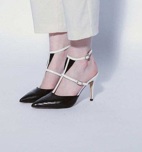 Triangle T with simple around the ankle high heel leather sandals white and black