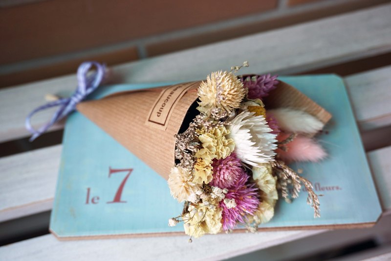 Cones small bouquet of dried palm mini*exchange gifts*Valentine's Day*wedding*birthday gift