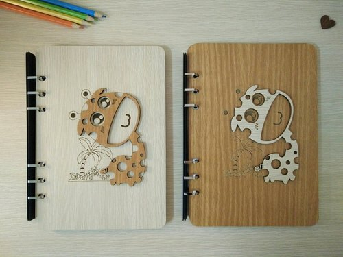 Taiwan stack [customization - color and pattern can be replaced] A5 two loose-leaf 6-hole notebook - three-dimensional giraffe notebook / album / stationery / folders / gifts / gifts