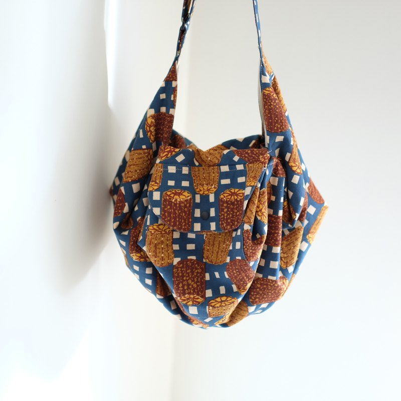 Kelly star anise bag