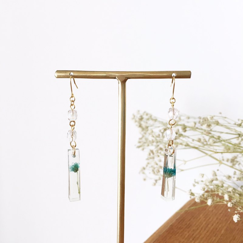 Swing earrings of babys breath 5