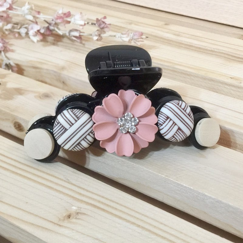 Pink / texture wood grain frosted flower hairpin ~ big shark clip big grab