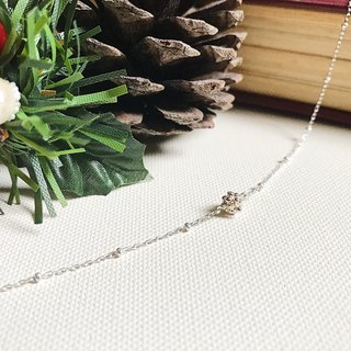 ::Silver Christmas :: Snowflake Mini Silver Silver Necklace (Gift Box)