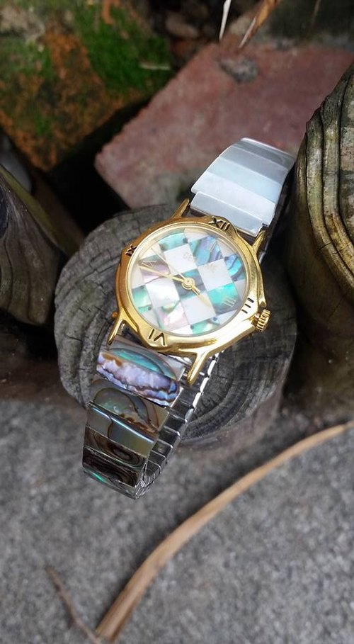 【Lost And Find】Playful  Natural Mother of pearl  abalone  watch