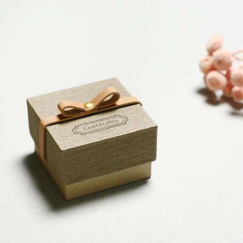 Comfortable // Charcoal gray) Giftbox Leather ribbon 気持ちを伝える小さな箱