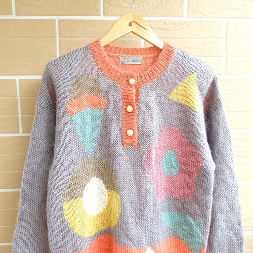 │Slowly│ Girlhood - vintage sweater │ vintage. Vintage. Art.