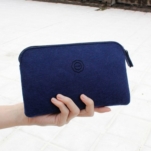 Clutch wool felt simple multifunctional / ten feet blue [available as pencil. Pouch phone. Cosmetic passport package]