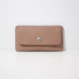 LUCE hand-sewn and vegetable-tanned leather phone case - camel