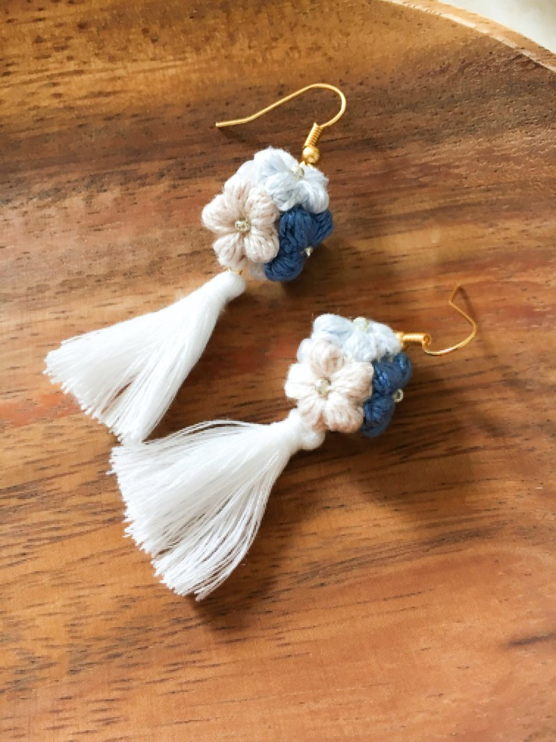 Blue white woven flower ball tassel ear hook