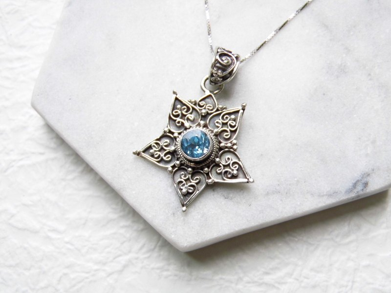 Blue topaz blue topaz 925 sterling silver thick necklace Nepal hand-carved inlay made of stars