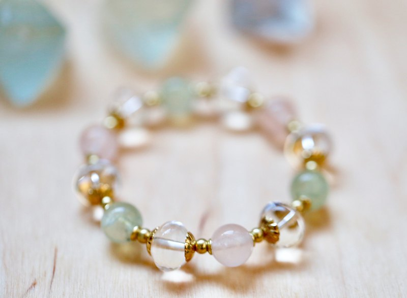 ||清凉心|| Throat energy bracelet. AA grade special round cut white crystal / grape stone / powder crystal / brass