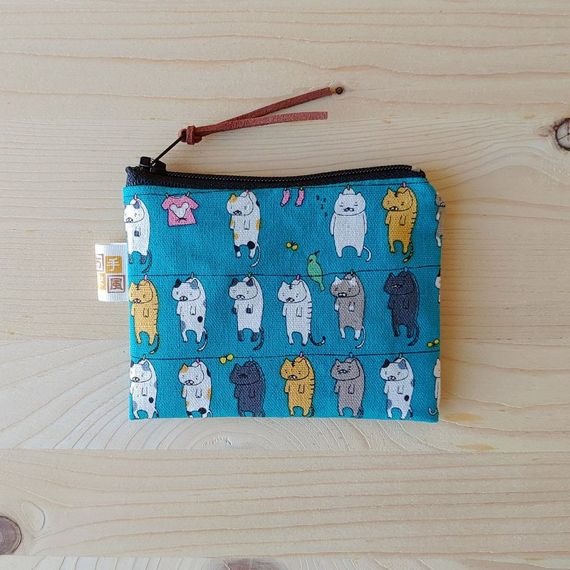 Cat drying_Blue flat coin purse