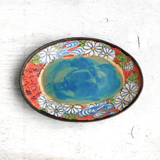 Chrysanthemum and flowing water pattern oval plate