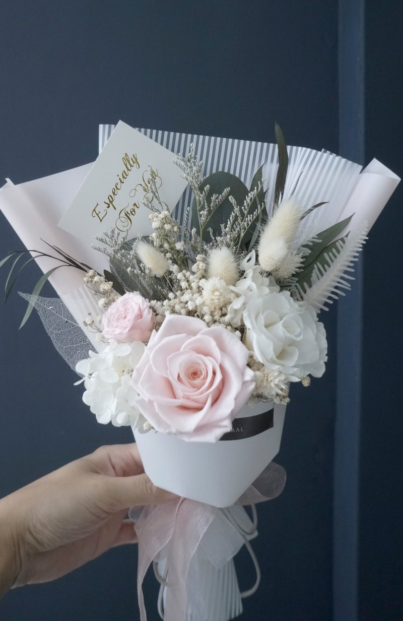 Graduation bouquet, Japanese imports, eternal flowers, no flowers, dry pollen, white, Korean rose hydrangea