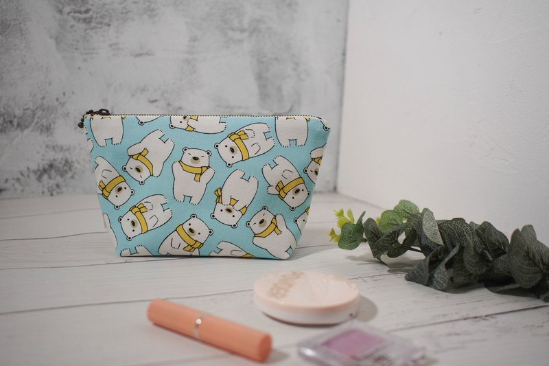 Daily series cosmetic bag / storage bag / limited handmade bag / little polar bear / out-of-print product pre-order