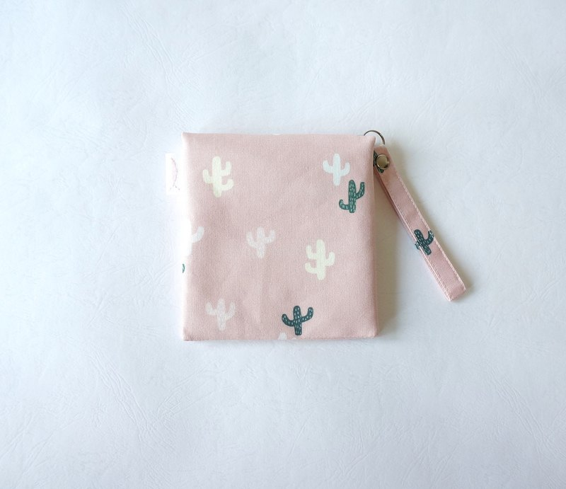 / Little succulents // Girls' physiological cotton bales / Portable tissue storage
