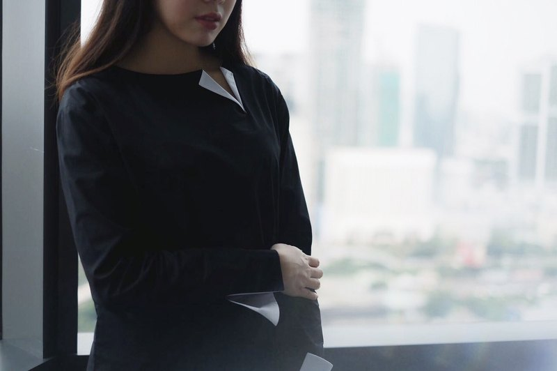 Black Bicolor Long-sleeved Boxy Shirt