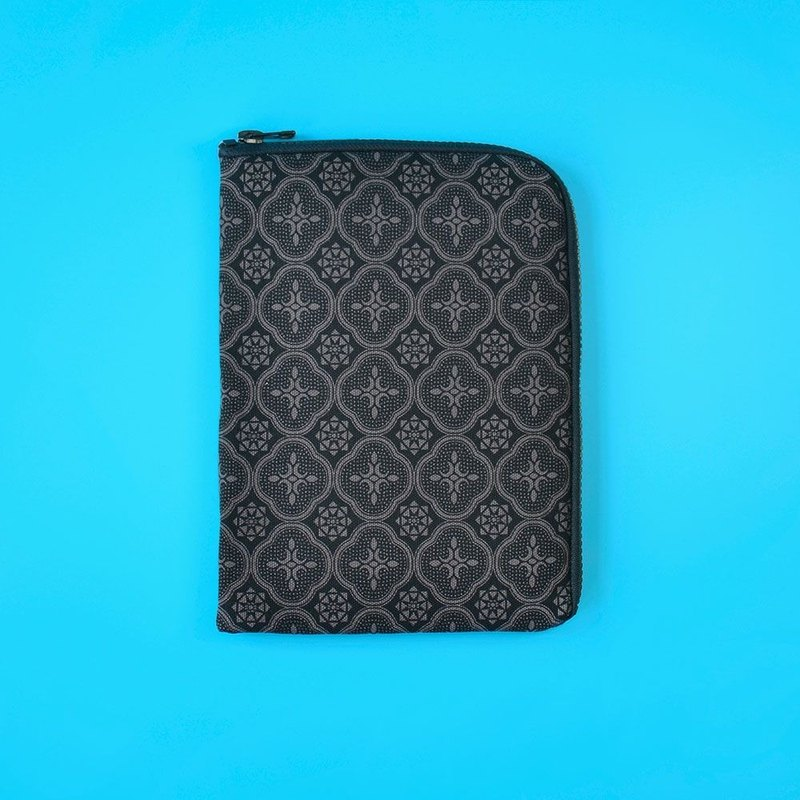 iPad Sleeve / Begonia Glass Pattern / Gentleman Black