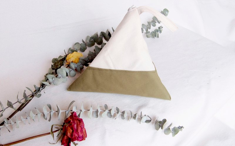 Earth tone- matcha Geometric Triangle Purse (M)