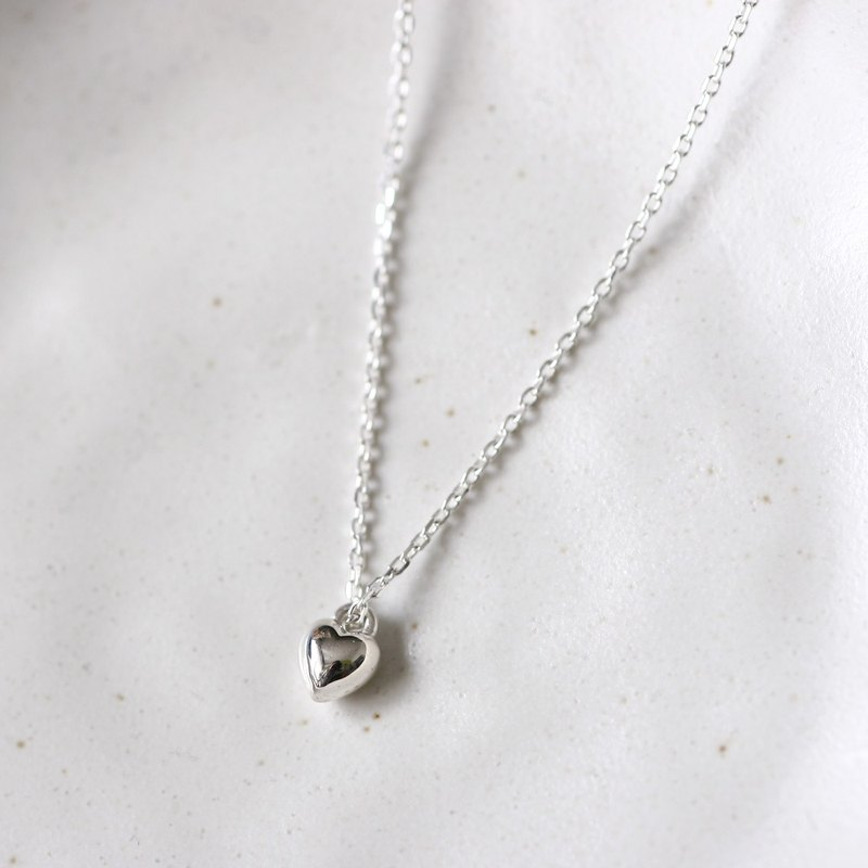 Mini Solid Heart Necklace Silver 925