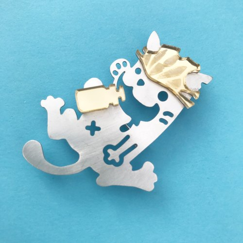 Rest cat (brooch) -Silver & Gold-