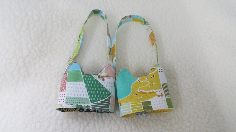 Country road / two-color cat ears with a green drink cup set bag / double-sided available