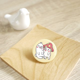 Mushroom Rabbit - Leather In Itch - 32mm Round Magnet Badge (Fog)