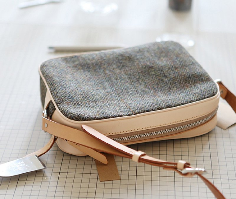 Harris tweed cooperation classic vegetable tanned cowhide canvas small square bag shoulder diagonal ladies bag