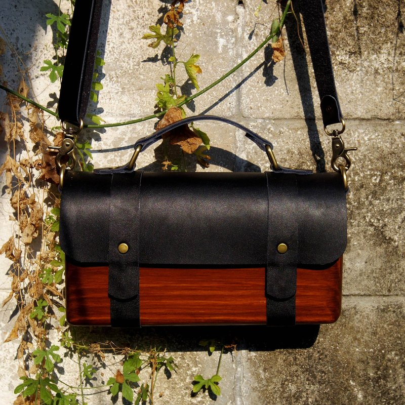 BL wooden bag - black with dark wood