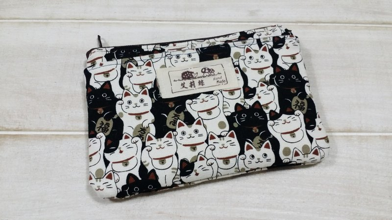 Low-key black Lucky Cat purse / storage bag / card package
