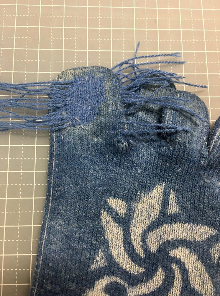 【เวิร์คช็อป】. Classroom in the factory. Repair holes in knitted garments. Classes in New Taipei City.