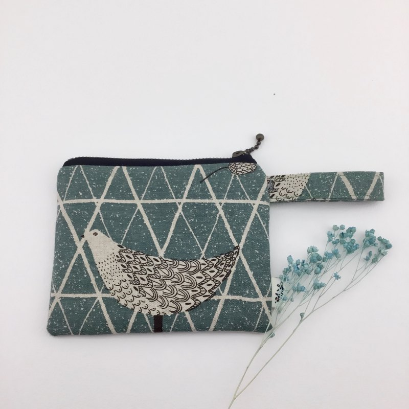 Quiet and intellectual bird - coin purse / cosmetic bag / sundries bag - light and practical