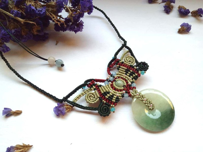 Hand-woven macrame series/natural Burmese jade A goods jade ~ emerald round necklace design