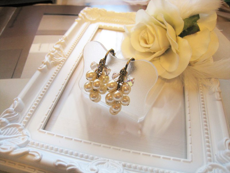 Silky Pearl & Swarovski Crystal Earrings / SMC : Cream