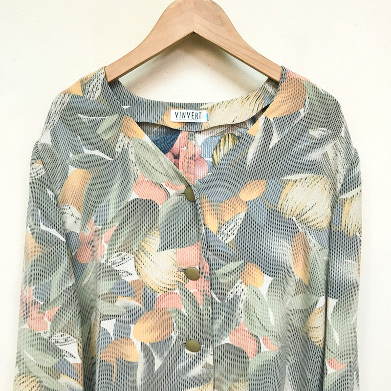 Outer / Grayish Floral Long Sleeve Outer