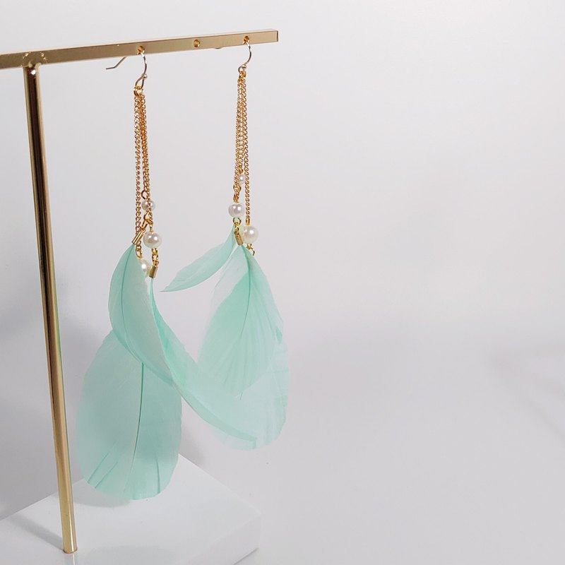 Big Thousand Design Fashion Tiffany Green Holiday Feather Earrings / Clip Party Music Xie Shi Ban