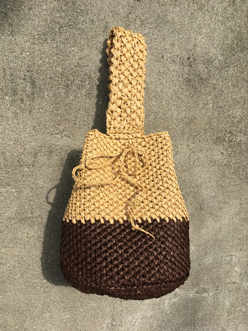Caramel pudding. Hand-knit twill bucket bag