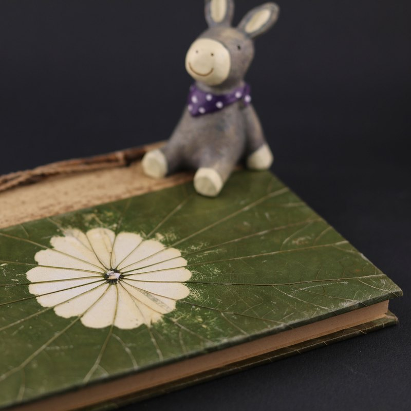 Leaf notebook early heart