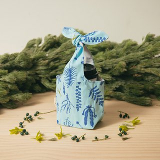 """Fatty Rabbit"" Bottle Holder / Weeds and Dragonfly / Petal Blue"