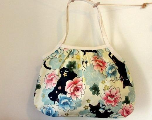 Black cat and peony Granny bag * pink (single-line) C