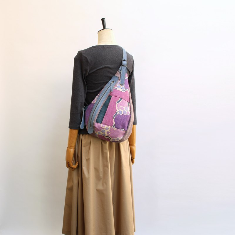Shoulder bag · Batik dyed patchwork