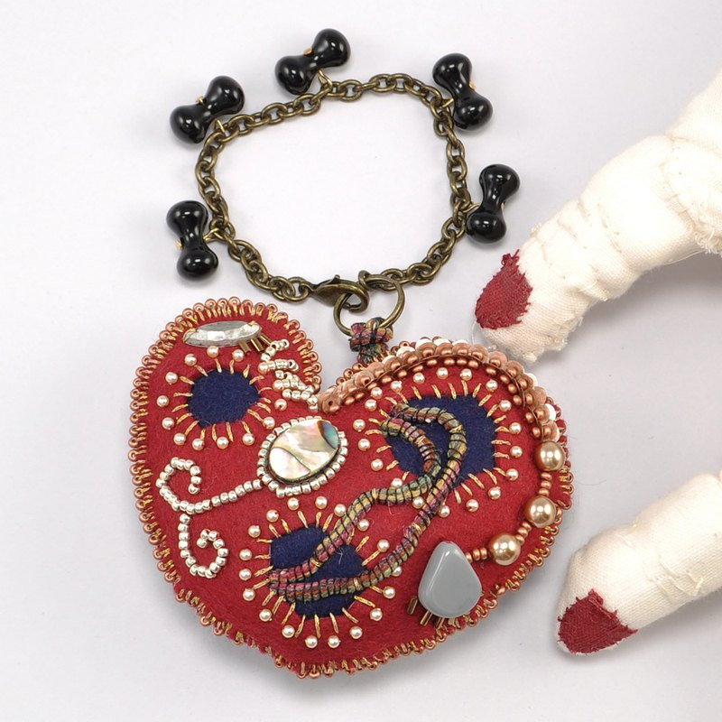 heart shaped bag charm,  beaded bag charm, bag charm ,gift for her, red heart, f