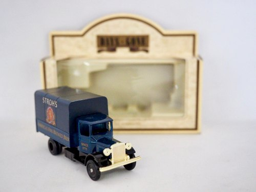 British Dark Blue Wine Ad Back Box Truck with Original Box
