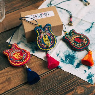 To the real thing | original handmade embroidery, the Dragon Boat Sachet, the tassel, the fortune, the fortune, the safety