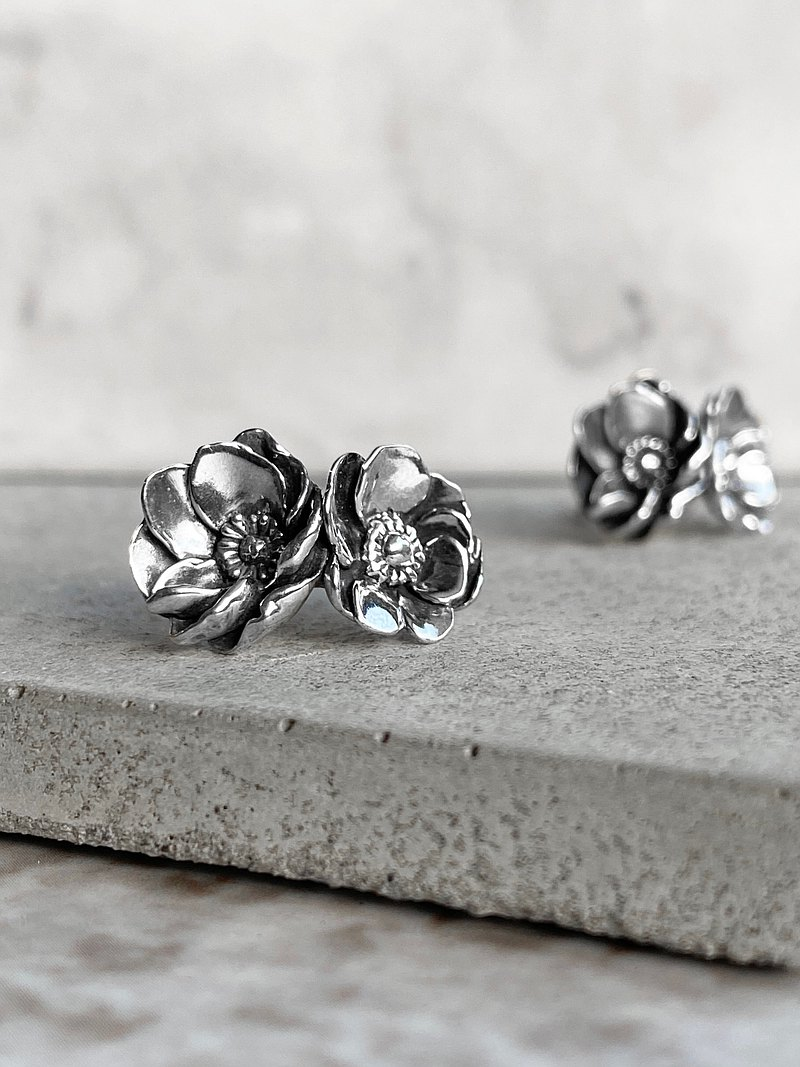 925 Sterling Silver DB Anemone Earrings / Flower / Vintage / Anti-allergy