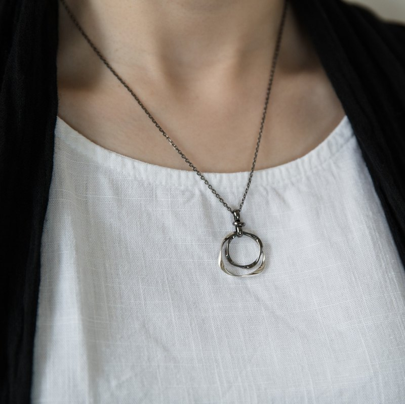 [She Shines reward] small round (necklace / glasses hanging 2)