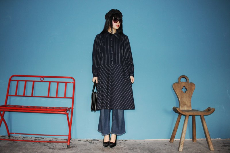 (Vintage dress) (Made in Italy) Dark blue wool stripe long-sleeved vintage dress F3139 (Christmas gift Christmas exchange gifts)