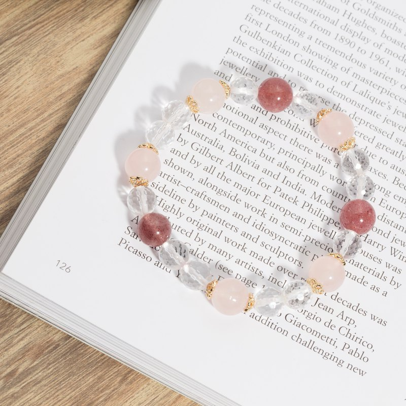 Strawberry crystal white crystal powder crystal natural stone bracelet on Happiness Road